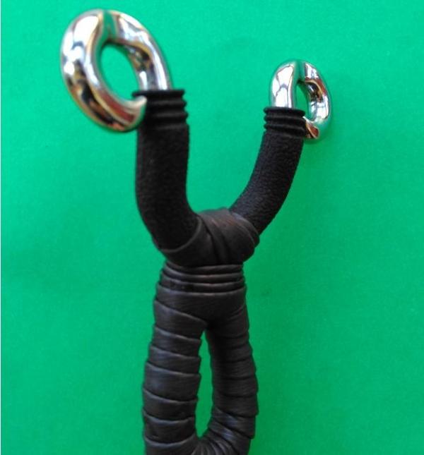 dankung slingshot with grooves